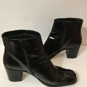 NINE WEST 9.5 Black Leather Ankle Boots